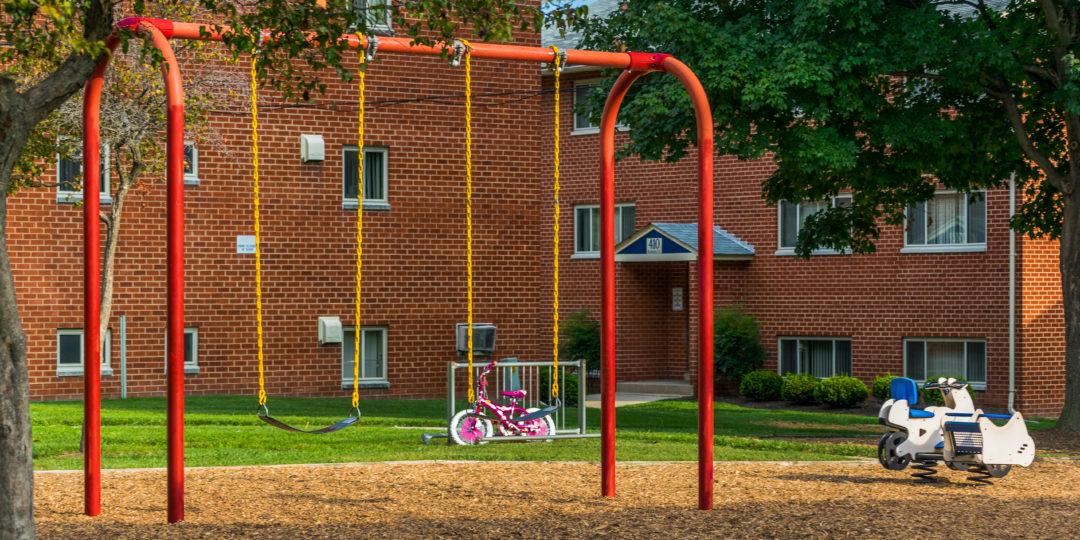 Playground (Dona)