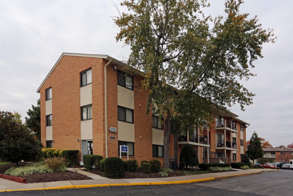 Laurelton Court Apartments For Rent In Laurel Md Southern Management